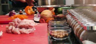 نودلز مع الدجاج والخضار - عيسى عودة  - الجزء الاول - #كل_شي_عالطاولة - قناة مساواة